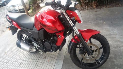 yamaha fz16 carburador roja nueva impecable, oportunidad.