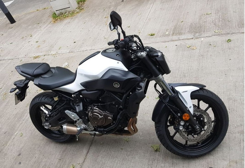 yamaha mt 07 naked