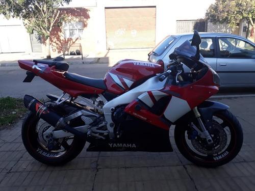 yamaha r1. 2001