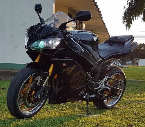 yamaha r1 negra mod. 2008