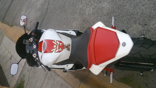 yamaha r6 2007 blanco con rojo