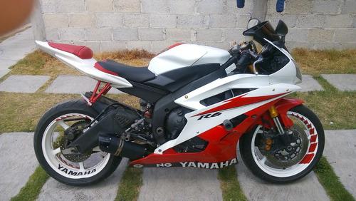 yamaha r6 2007 blanco y rojo