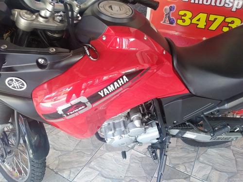 yamaha tenere 250 2015 financiamos ate 48x  39.000 km
