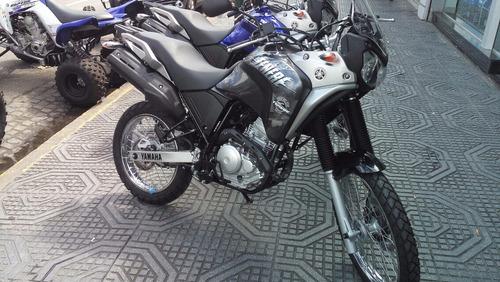 yamaha tenere 250 en motolandia retira en el acto