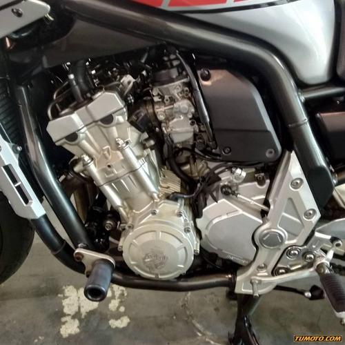 yamaha v max 501 cc o más