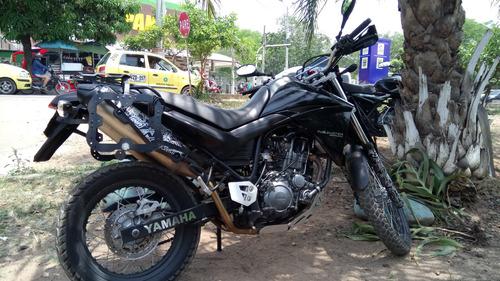 yamaha xt660r negra