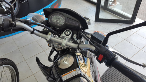 yamaha xtz 125cc 2017 negra, blanca y azul