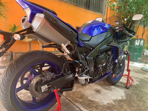 yamaha yzf r1  blue edition