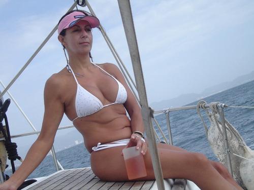 yate bello y comodo full day en higuerote,