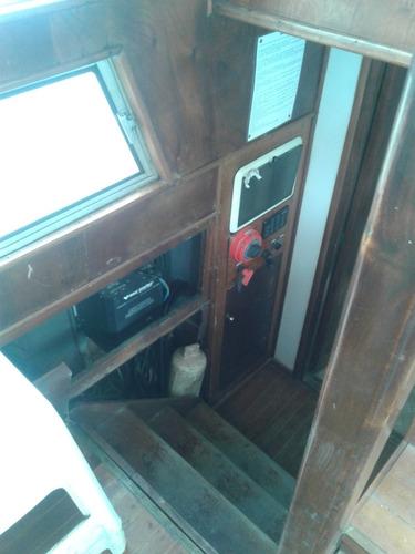 yate crucero clasico de madera