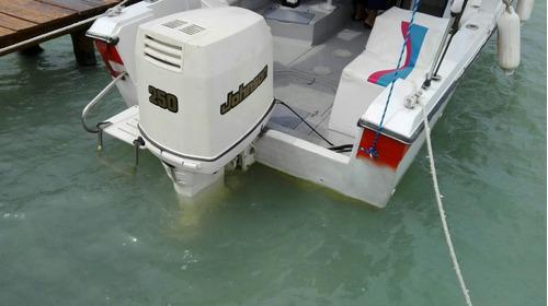 yate wuelcratf  23 pies motor 250 dos tienpos