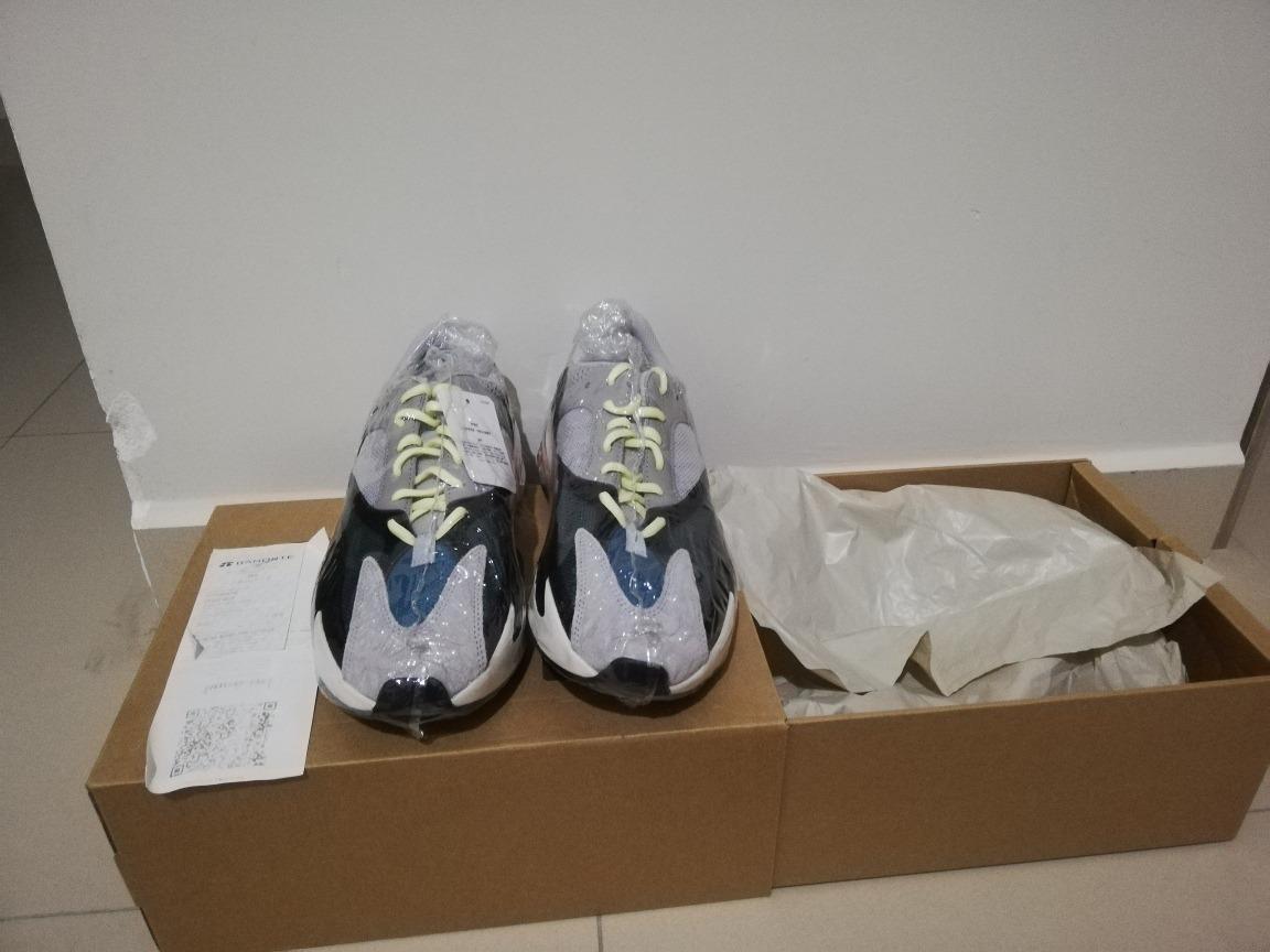online retailer b34e9 dbb3b Yeezy 700 Wave Runner 7.5mx 100% Original