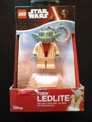yoda llavero lego con luz led star wars trabucle