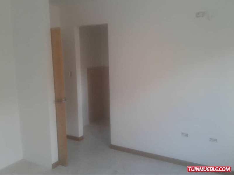 yosmar muñoz vende townhouses en san diego foth-118