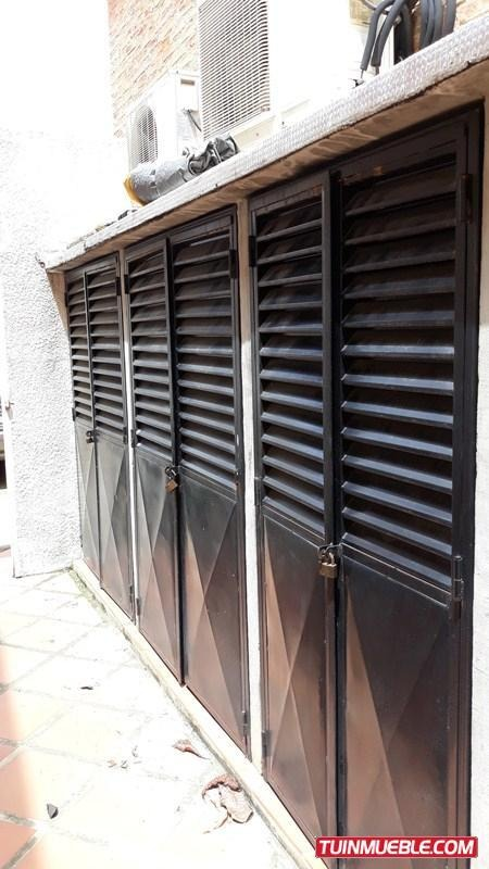 yosmar muñoz vende townhouses en trinitarias foth-116