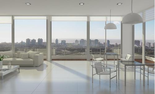 yrigoyen blvd ·  2 amb, terraza 53 m2. único.