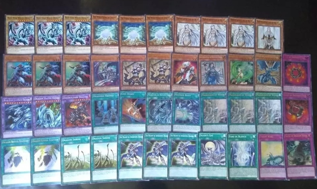 Yugioh Blue Eyes White Dragon Deck Foto