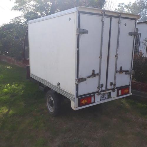 yumbo cargo 200