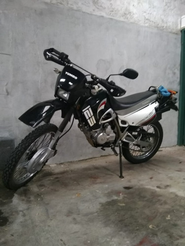 yumbo dakar 125cc muy buen estado.