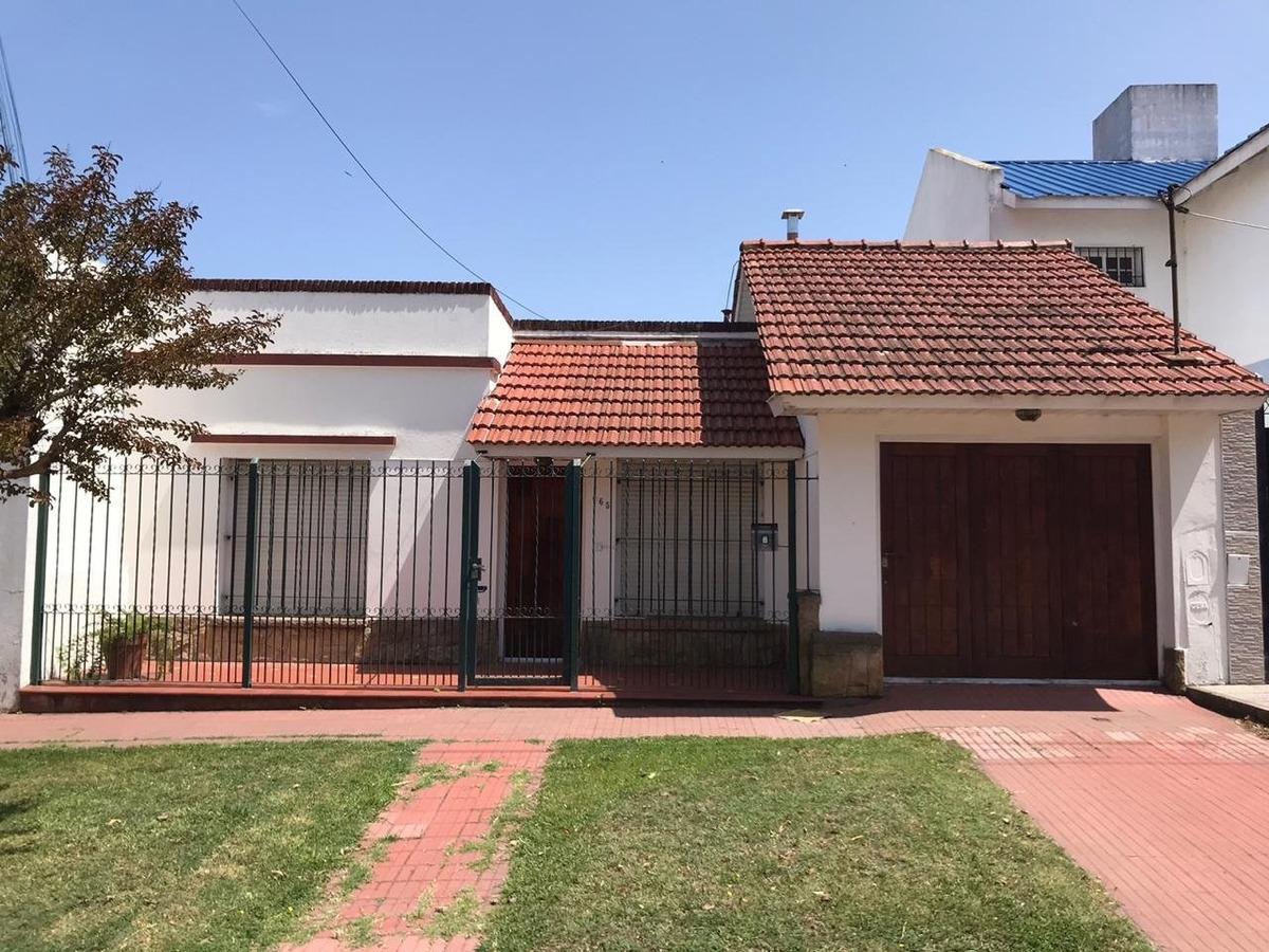 z/ villa lourdes (a. korn y magallanes) casa + departamento - venta - mar del plata