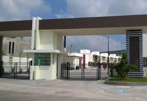 zakia invierta casas premium en querétaro!