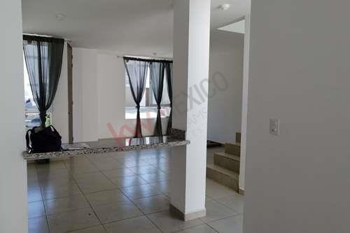 zakia - renta de casa muy amplia con excelente ubicación