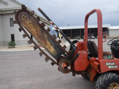 zanjadora tipo espada ditch witch rt45  similar a la rt40