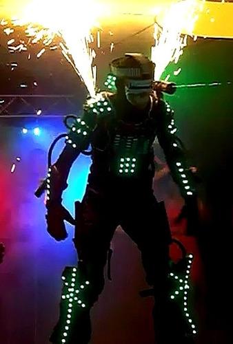 zanqueros, robot led, personajes para la hora loca