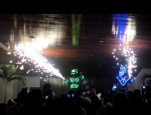 zanqueros robot show led zancos hora loca mimos,malabaristas