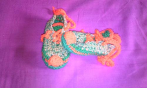 zapaticos tejidos para bebes (varones) en oferta.