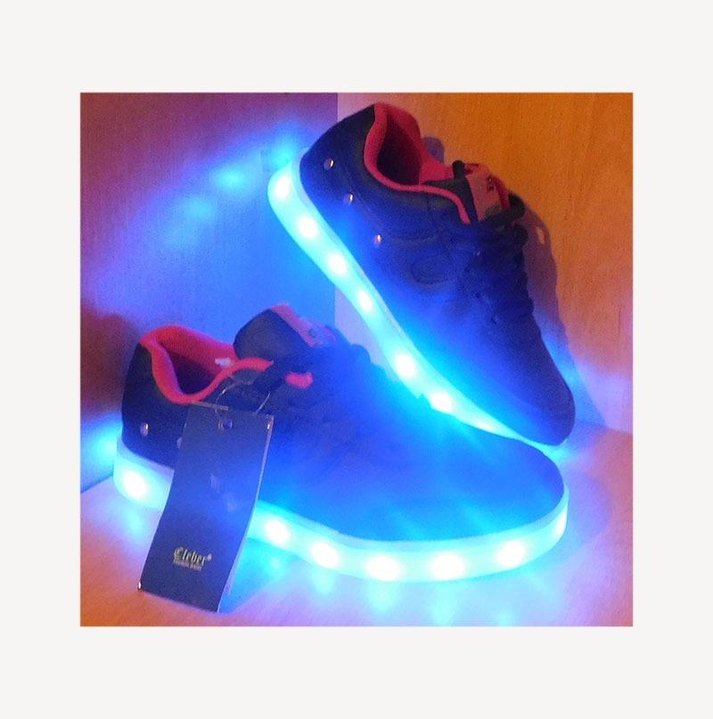 873d34bd1 zapatilla con luces luz led multicolor niños niñas. Cargando zoom.