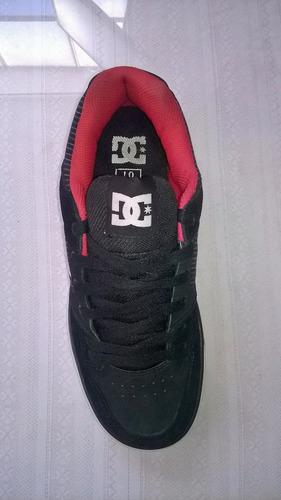 zapatilla dc hombre rojo y negro