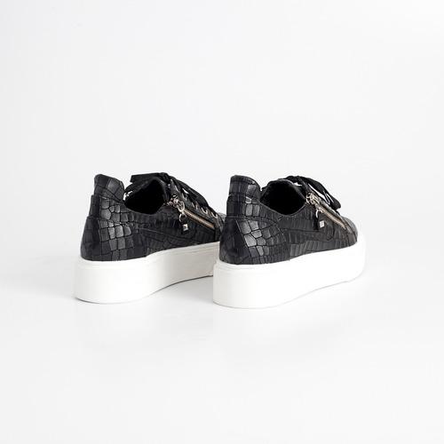zapatilla de cuero. art jean. otro calzado