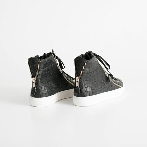 zapatilla de cuero. art perdiz negro. otro calzado