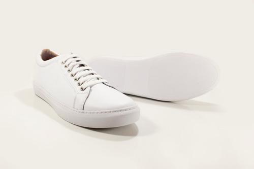 zapatilla hombre cuero color blanca diseño daven by ghilardi