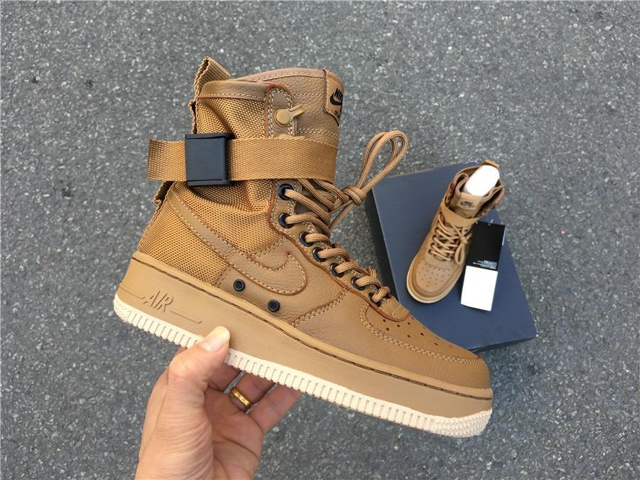 sneakers for cheap 1b29e 4d72b Zapatilla Nike Air Force 1 High X Sf Golden Beige - Unisex