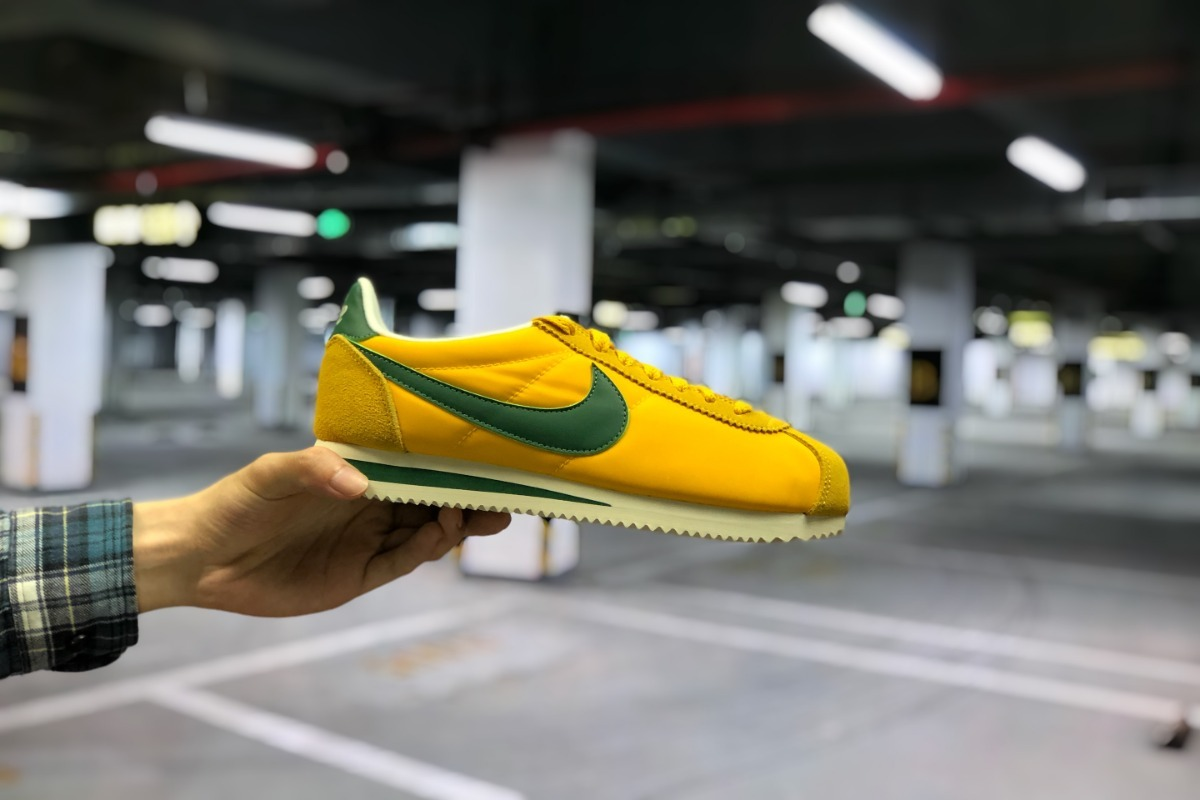 Nike wmns classic cortez nylon Mostaza Blanco Walking