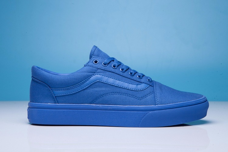 f0b021561ff51 zapatilla vans hombre mujer clásica azules old skool · zapatilla vans hombre.  Cargando zoom.