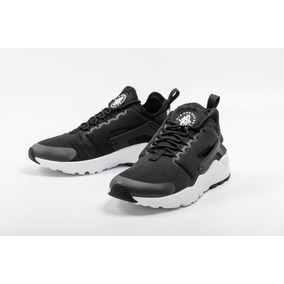 5d431b411b579 Zapatillas Negras Nike Huarache Mujer en Mercado Libre Perú