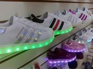 zapatillas adidas luces led con caja talla 36 a la 42