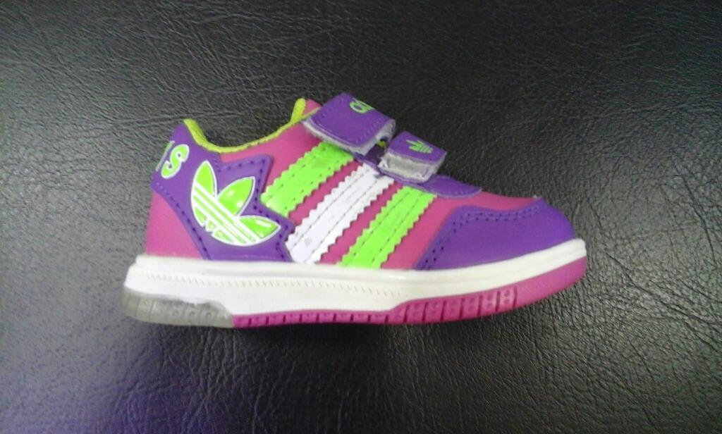 c89b08e24e6a4 Zapatillas adidas Luces Para Bebes Niña Y Niño -   95.000 en Mercado ...