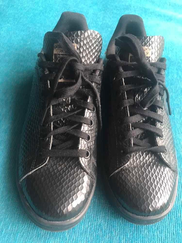 01863d15223 zapatillas adidas mujer negra stan smith nro 40. Cargando zoom.