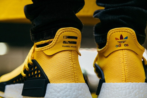zapatillas adidas nmd human race amarillo pharrell 2017