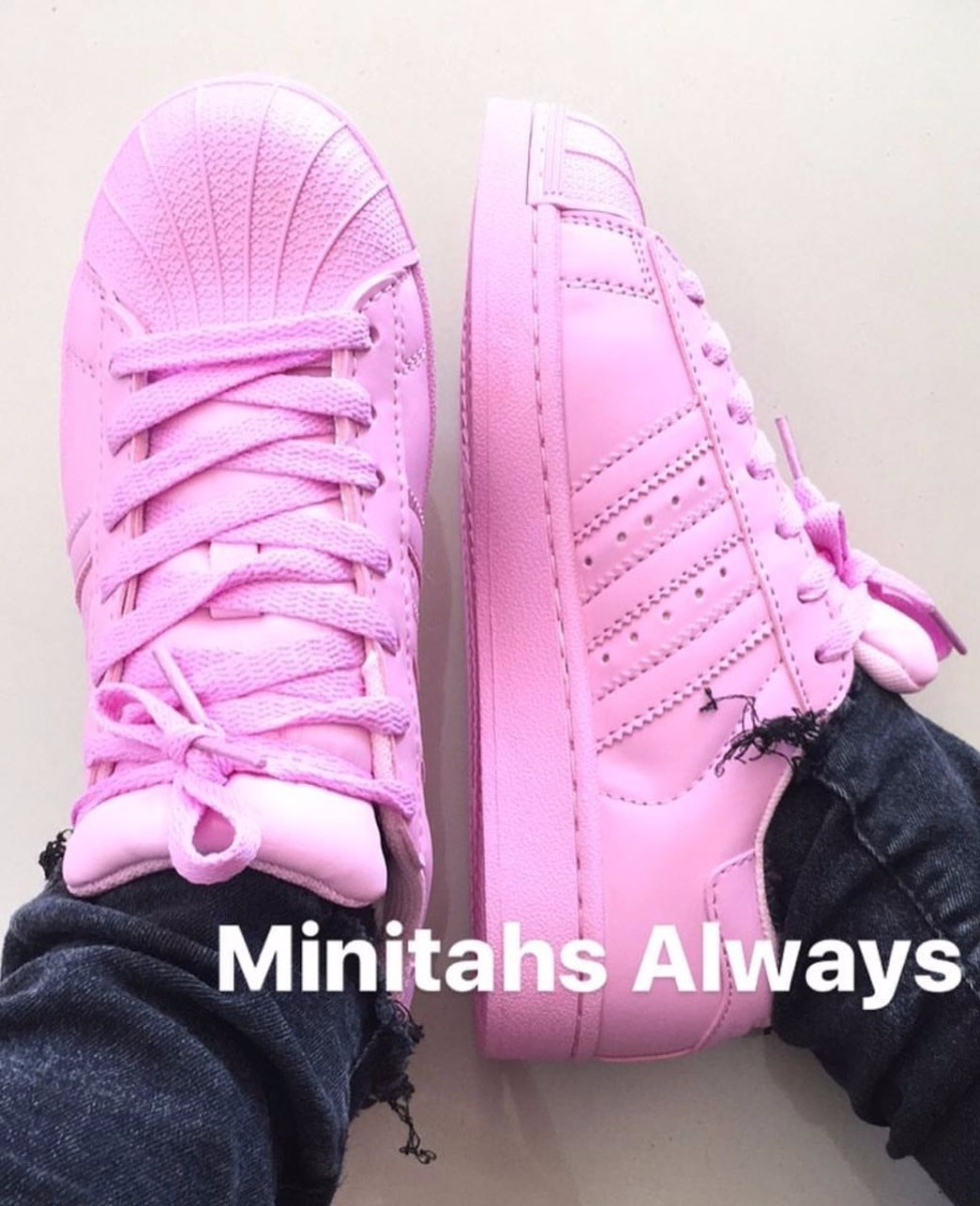 premium selection 8bda2 a0228 ... germany zapatillas adidas superstar pharrell willams azul y rosa bb.  cargando zoom. 50c4f c74a2