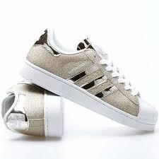 zapatillas adidas doradas y blancas