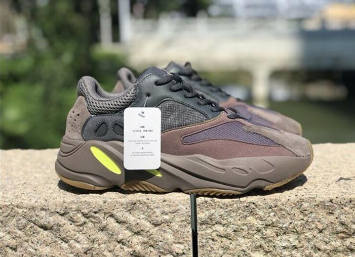 size 40 41ee1 f5cd7 Zapatillas adidas Yeezy 700 Mauve Pre-venta 25 Octubre Stock
