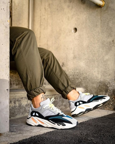 zapatillas adidas yeezy boost 700 wave runner solid grey