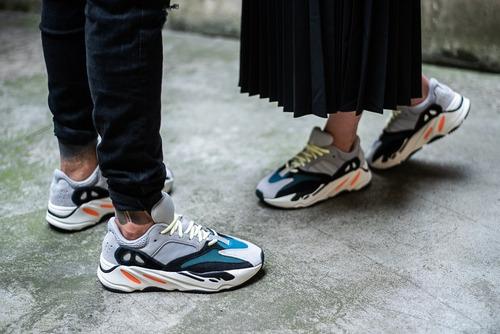 zapatillas adidas yeezy boost 700 wave runner solid grey