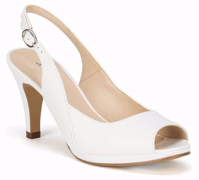zapatillas andrea blancas acojinadas de piel bajitas novias