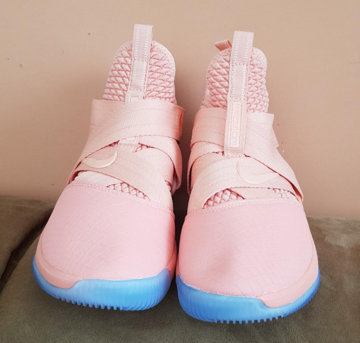 9f26fbb3a273bd zapatillas basketball nike lebron soldier xii nuevas. Cargando zoom.